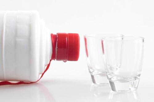 77家食品饮料公司净利润320亿元 19家白酒企贡献200.8亿
